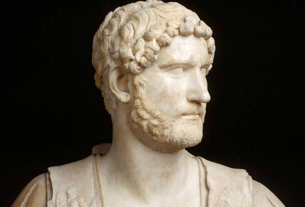 adriano emperador romano